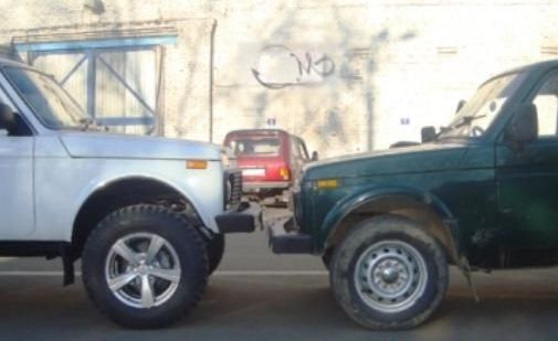 разный размер колес